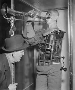 The trumpet auditioner as a machine